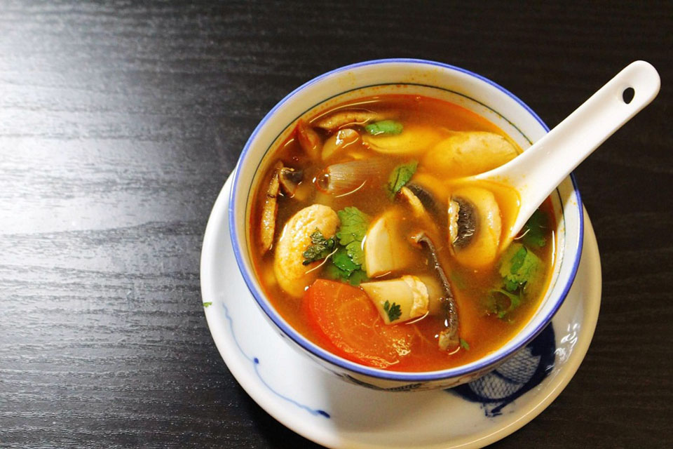 Canh chua nấu bột tôm thơm ngon